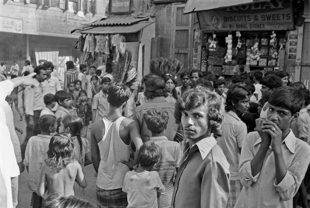 Crowd, Kolkata (Calcutta) 1978 - Tim Trompeter