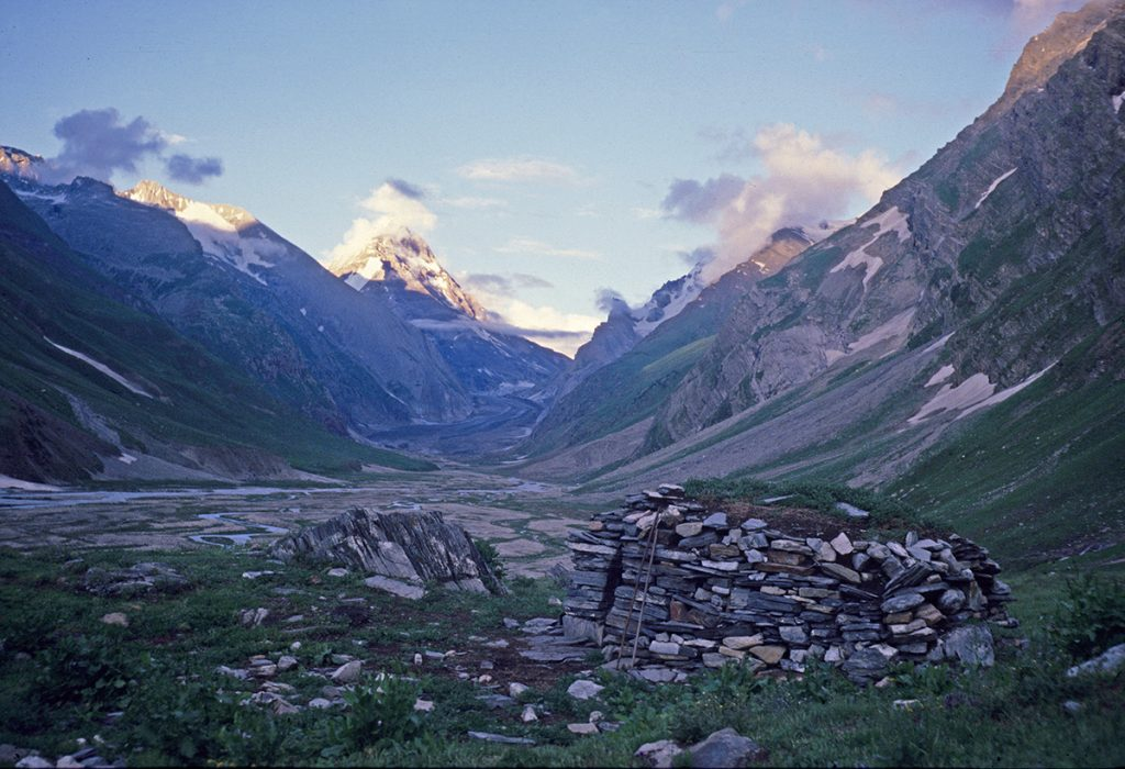 Shepherd's hut, Kanital, Batkol Glacier in the distance, Jammu and Kashmir 1978 - Tim Trompeter