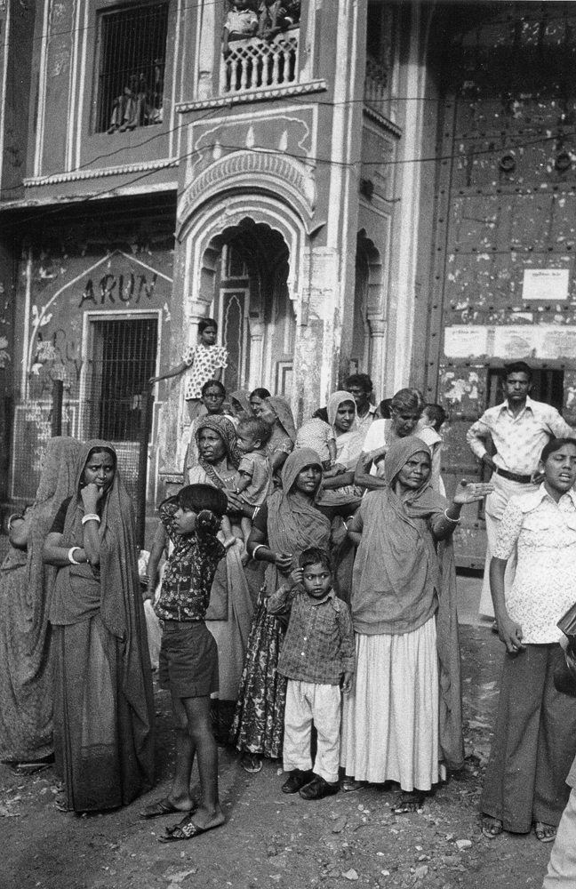 Crowd, Jaipur, Rajasthan, India 1978 - Tim Trompeter