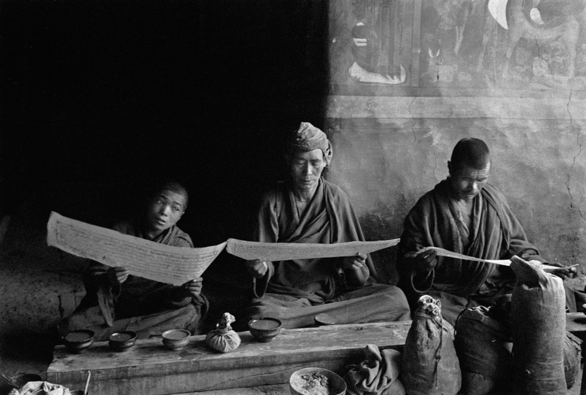 Lingshed Gompa prayers, Ladakh 1978 - Tim Trompete