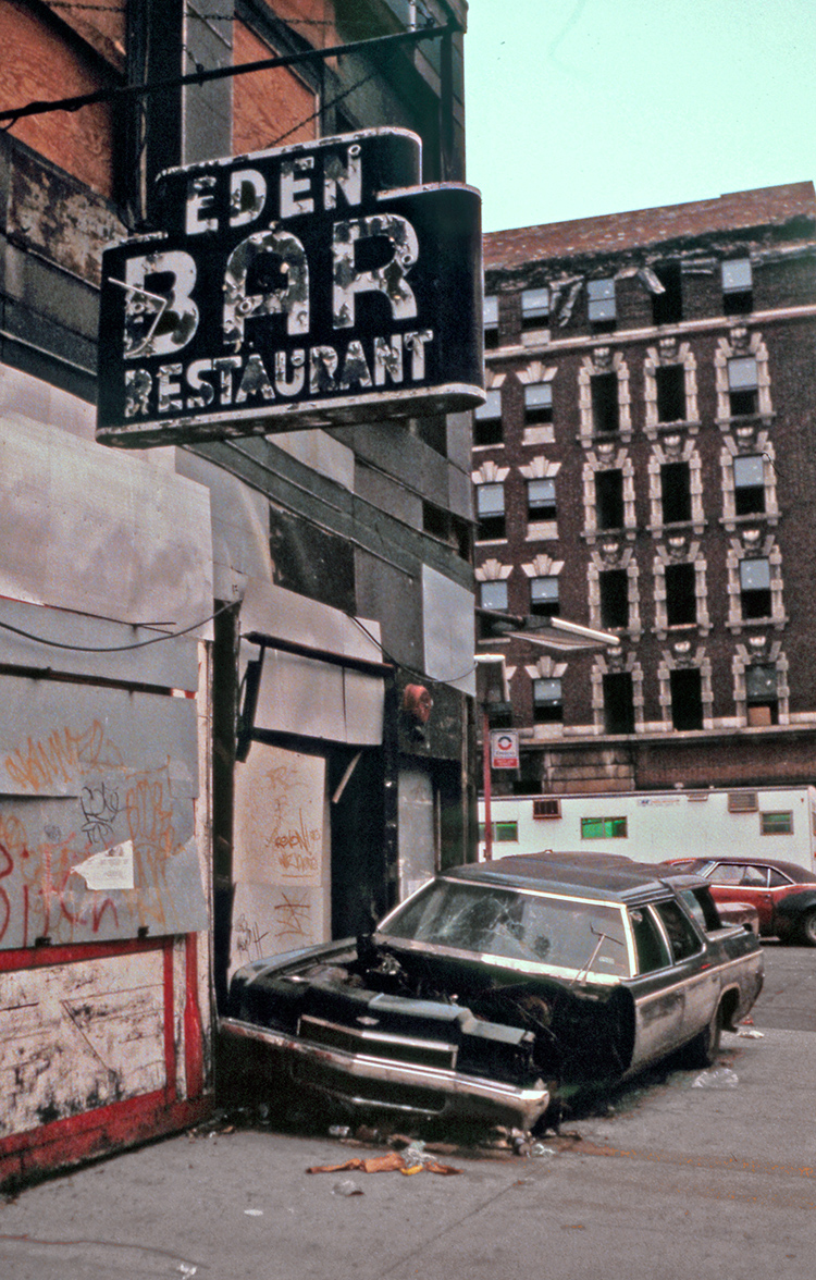 Eden Bar, Manhattan Avenue NYC 1982 - Tim Trompeter