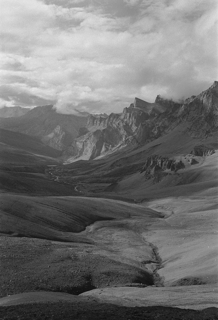 View from SirSirLa pass toward Spantung, Ladakh 1978 - Tim Trompeter